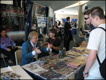 Carl Macek discusses Robotech with fans